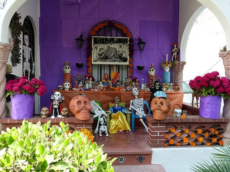 Dia de los Muertos shrine in Mexico City