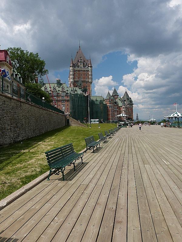 Strolling Terrasse Dufferin in old Town Quebec City