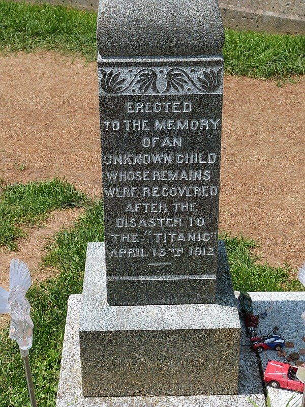 Grave of Titanic victim in Fairview Lawn Cemetery in Halifax, Nova Scotia