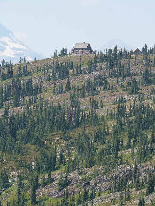 Highline trail in Glacier National Park in Montana - a Rocky Mountain Road Trip must