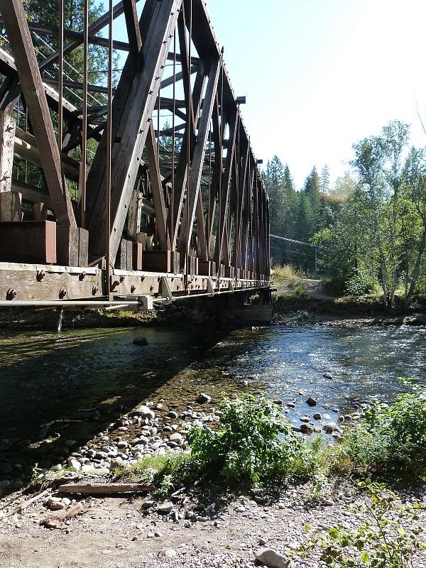 Watching the salmon run at Scotch Creek in the Shuswap Lake Region of British Columbia
