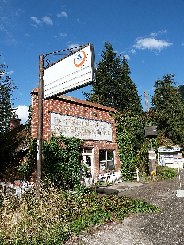 The HI Hostel where we Help X'd in the Shuswap