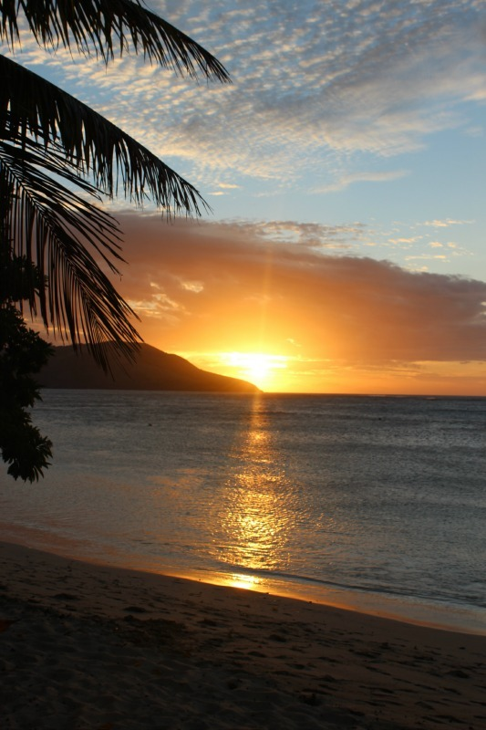Amazing sunset at Blue Lagoon Resort on Nacula Island in the Yasawa Islands of Fiji. | The World on my Necklace