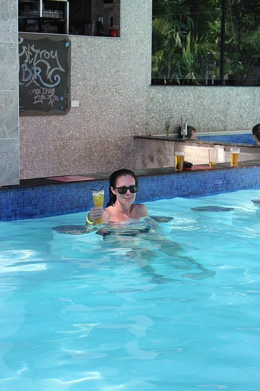 Swim up bar at Fitztroy Island Resort