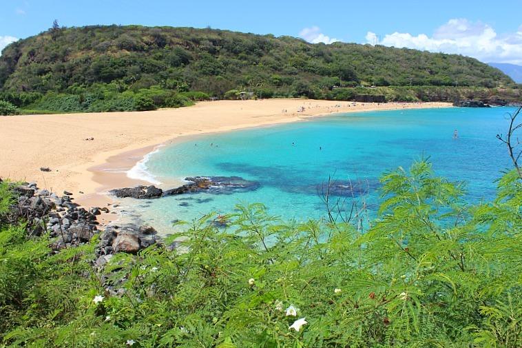Stunning Waimea Bay on the North Shore of Oahu, Hawaii