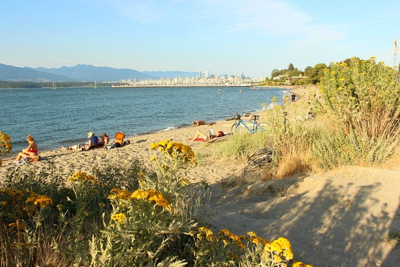 Jericho Beach in Kitsilano - a perfect day out during summer in Vancouver