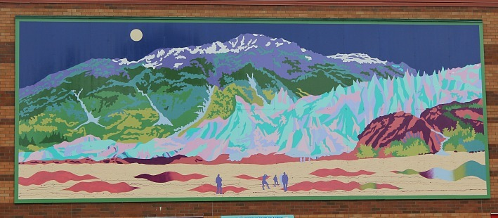 One of the many murals in Seward Alaska