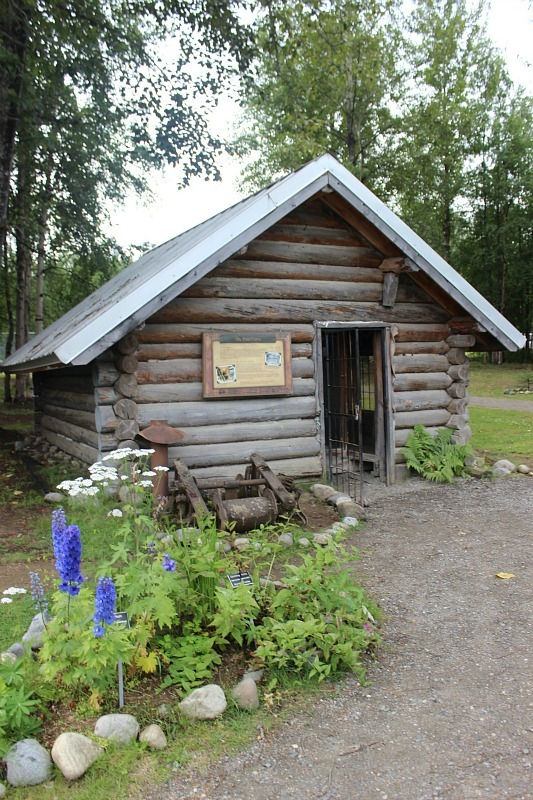 Historic cabin in Talkeetna Alaska