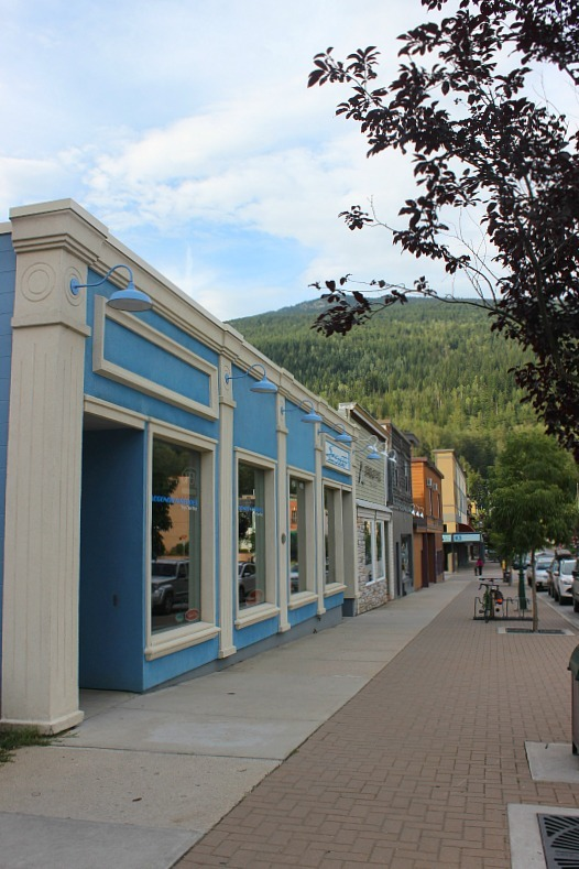 Colourful buildings in Revy