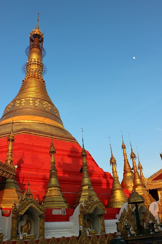 Waiting for the sunset at Kyaik Than Lan Pagoda in Mawlamyine during month six of digital nomad life