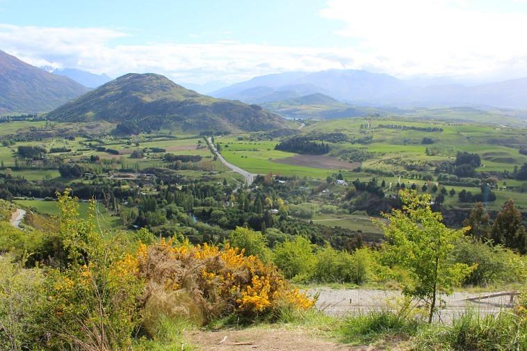 Crown Ranges view in Otago, New Zealand