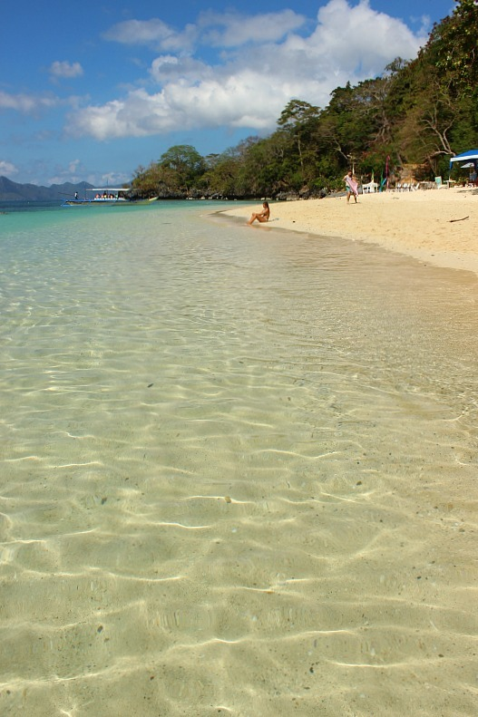 Crystal clear waters of the Philippines during month seven of digital nomad life