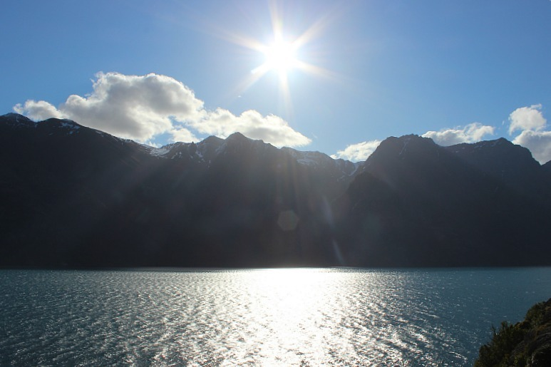Sparkling Lake Wakatipu on day one of the Kepler Track