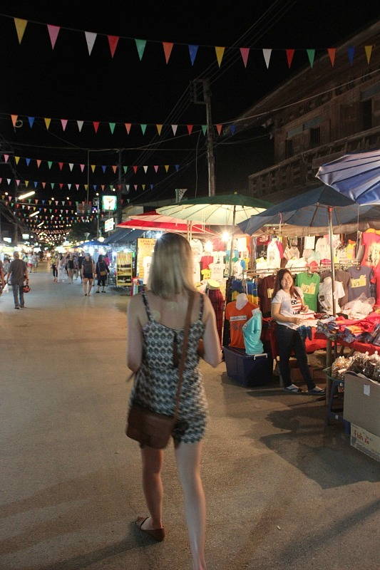 Pai night market