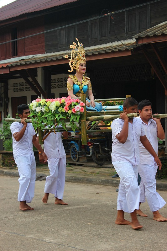 Loy Krathong street parade in Lanta Old Town