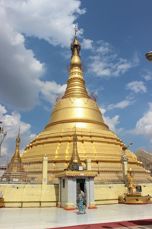 Visiting temples was an important part of my Yangon Itinerary