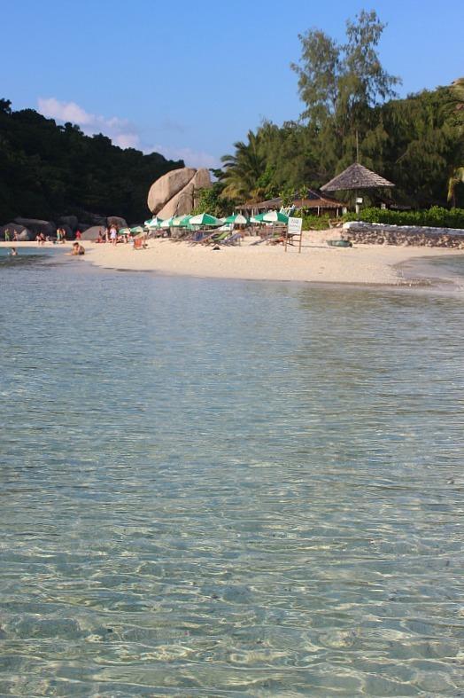 Crystal clear waters of Ko Nang Yuan - a day trip from Koh Tao