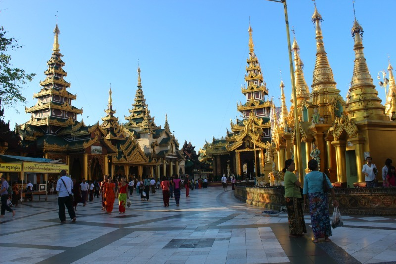 Shwedagon Pagoda shrines