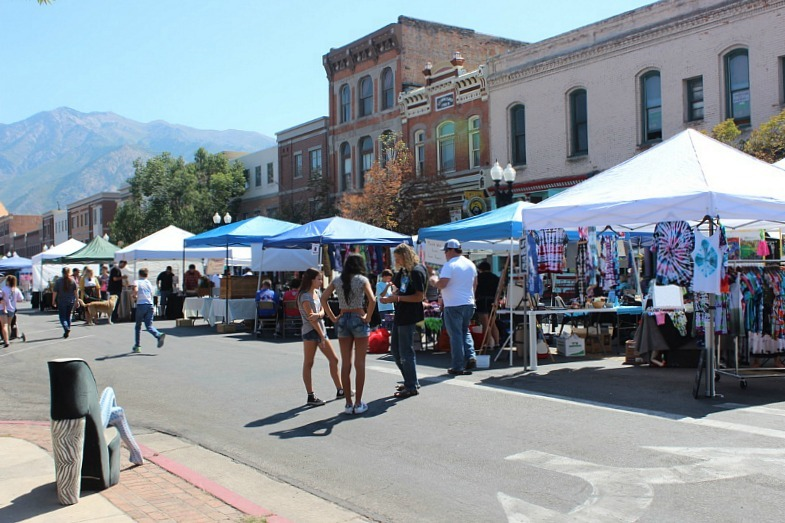 ogden-farmers-market-the-world-on-my-necklace