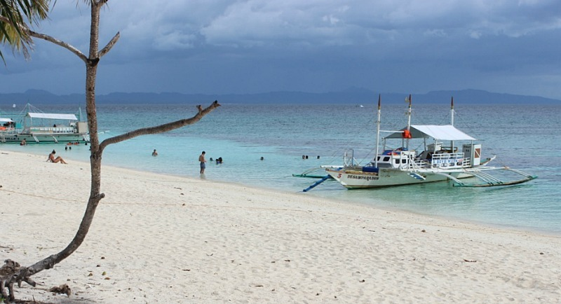 boats-docked-on Kalanggaman Island