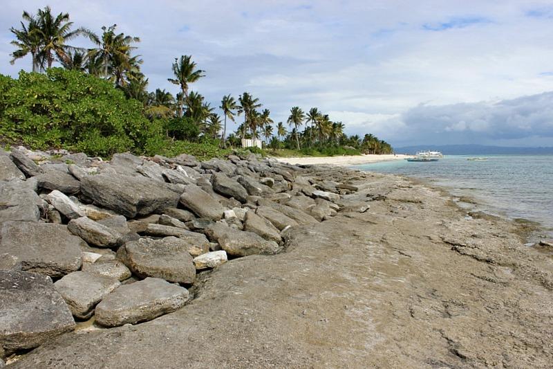 rocky-end-of-kalanggaman-island