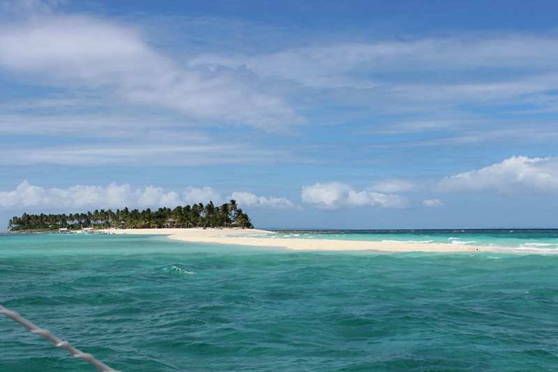 sailing around Kalaggaman Island sand bar