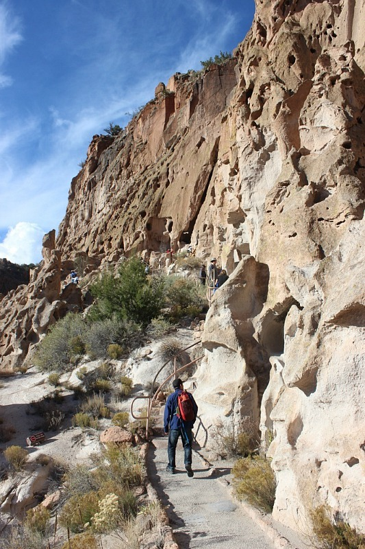 hiking-in-bandelier-national-monument-the-world-on-my-necklace