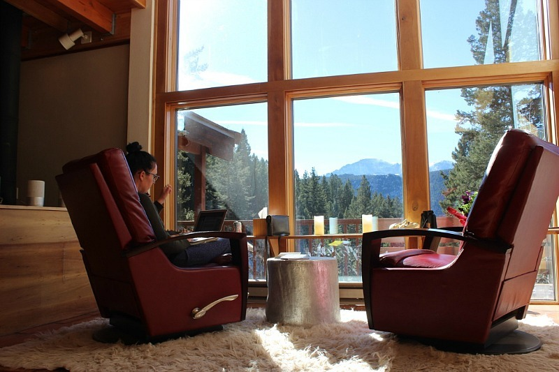 Housesitting in Green Mountain Falls Colorado during month 17 of digital nomad life
