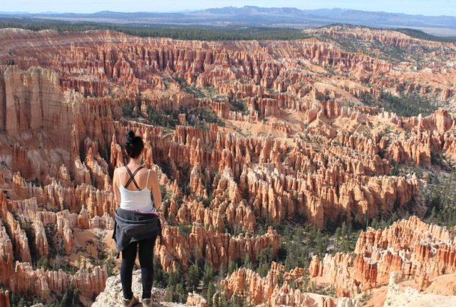 Hiking Bryce Canyon National Park - seeing more of Utah's National Parks is one of my 2017 Travel Goals