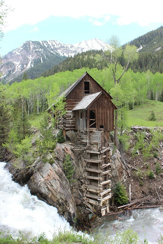 Doing a backcountry hike in Colorado is one of my travel goals for 2017