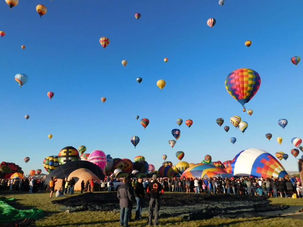 Attending the Albuquerque Balloon Festival in New Mexico - a 2017 highlight of Digital Nomad Life