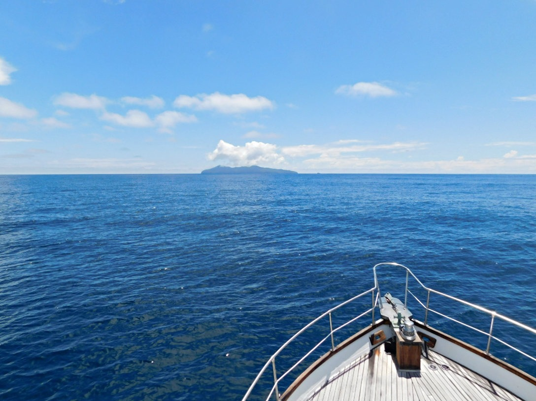 Boating to Mayor Island in New Zealand during month thirty two and thirty three of Digital Nomad Life
