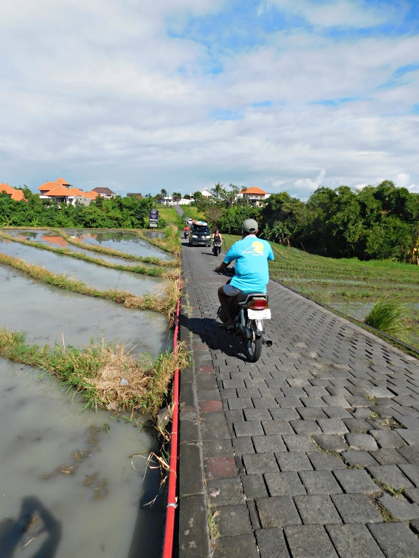Scootering around Canggu during month thirty two and thirty three of Digital Nomad Life