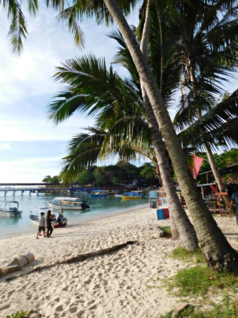 A quiet Coral Bay in the Perhentian Islands in the shoulder season