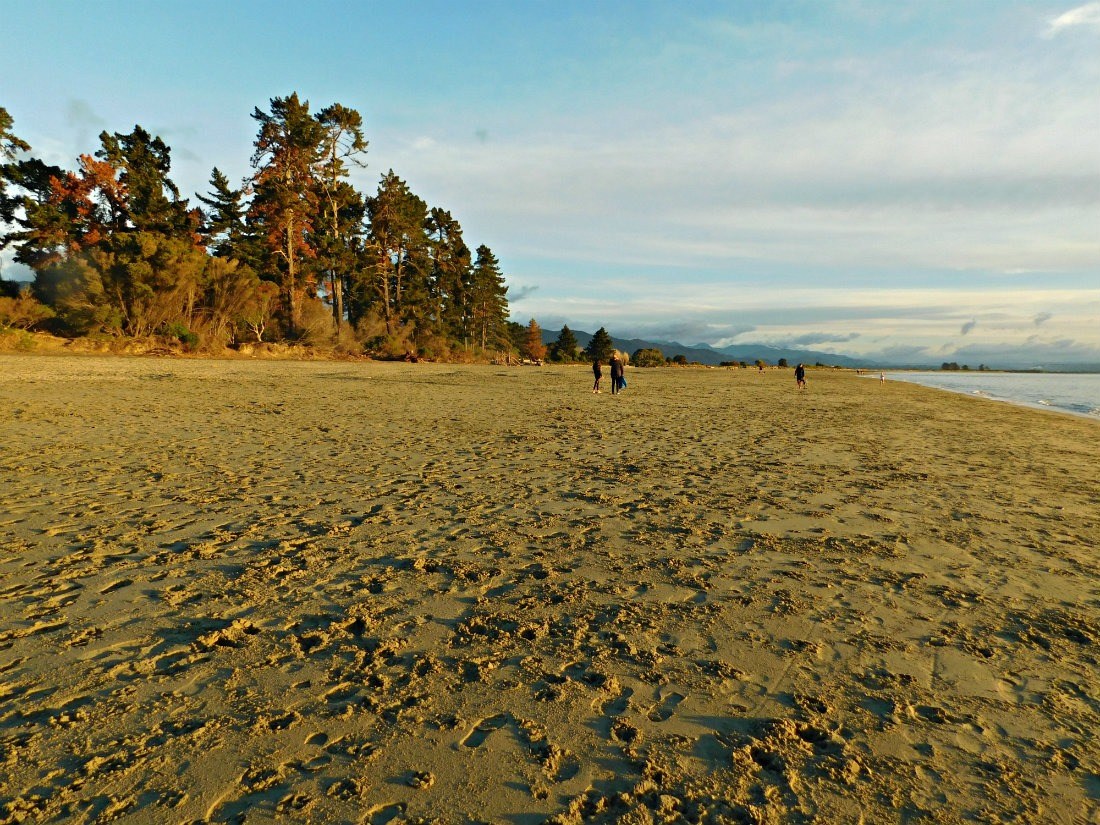 Tahunanui Beach in Nelson, New Zealand at sunset