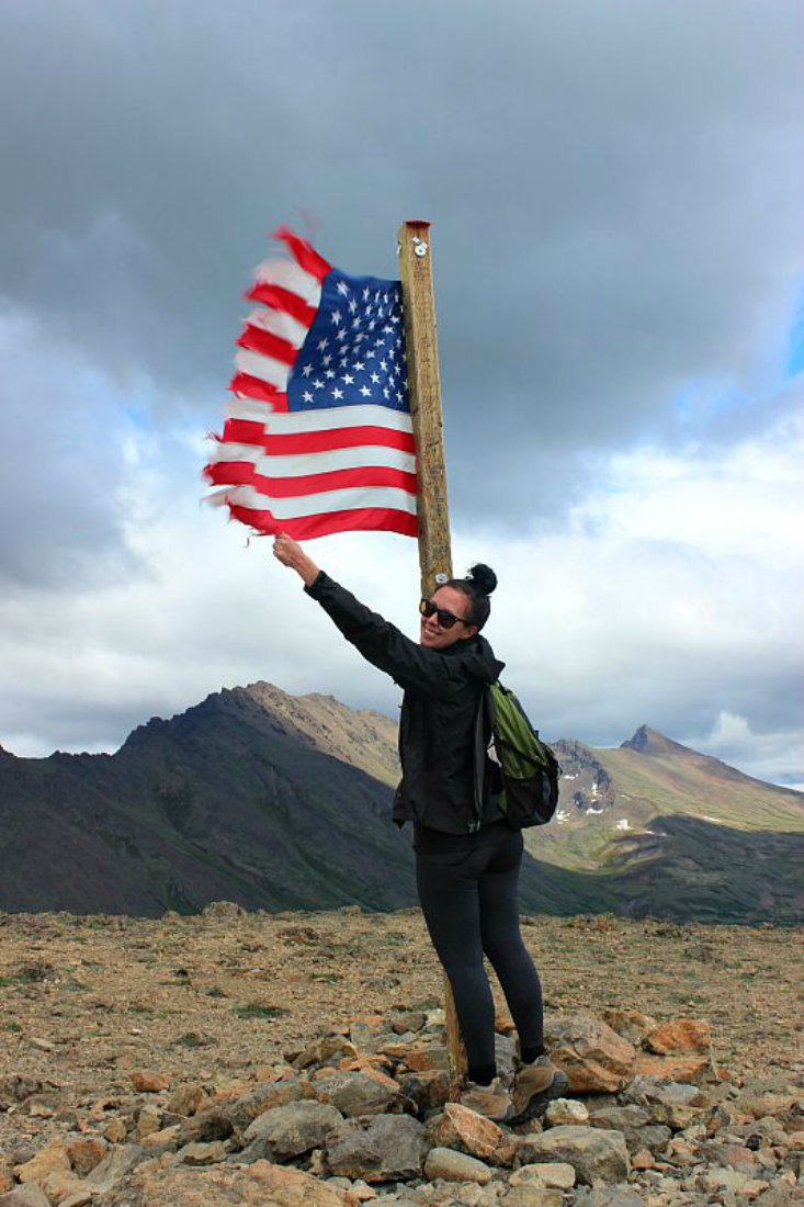 Flattop Mountain summit near Anchorage, Alaska - hiking a lot is a benefit of living a nomadic life. | The World on my Necklace #nomadiclife #digitalnomad #hiking #Alaska #flattopmountain