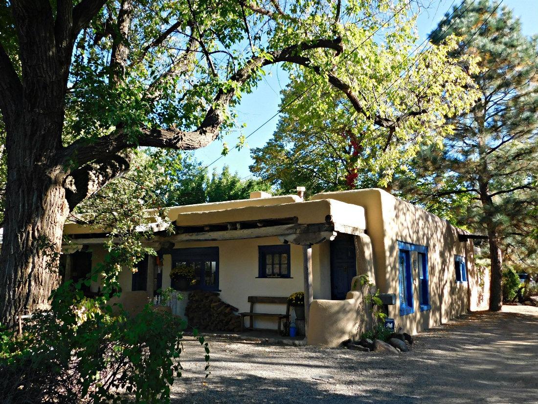 Exploring the beautiful homes near Canyon Road in Santa Fe, New Mexico