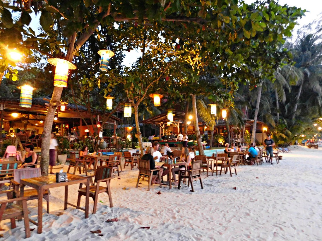 Beachside restaurant and bar in Thong Nai Pan Yai in Koh Phangan, Thailand