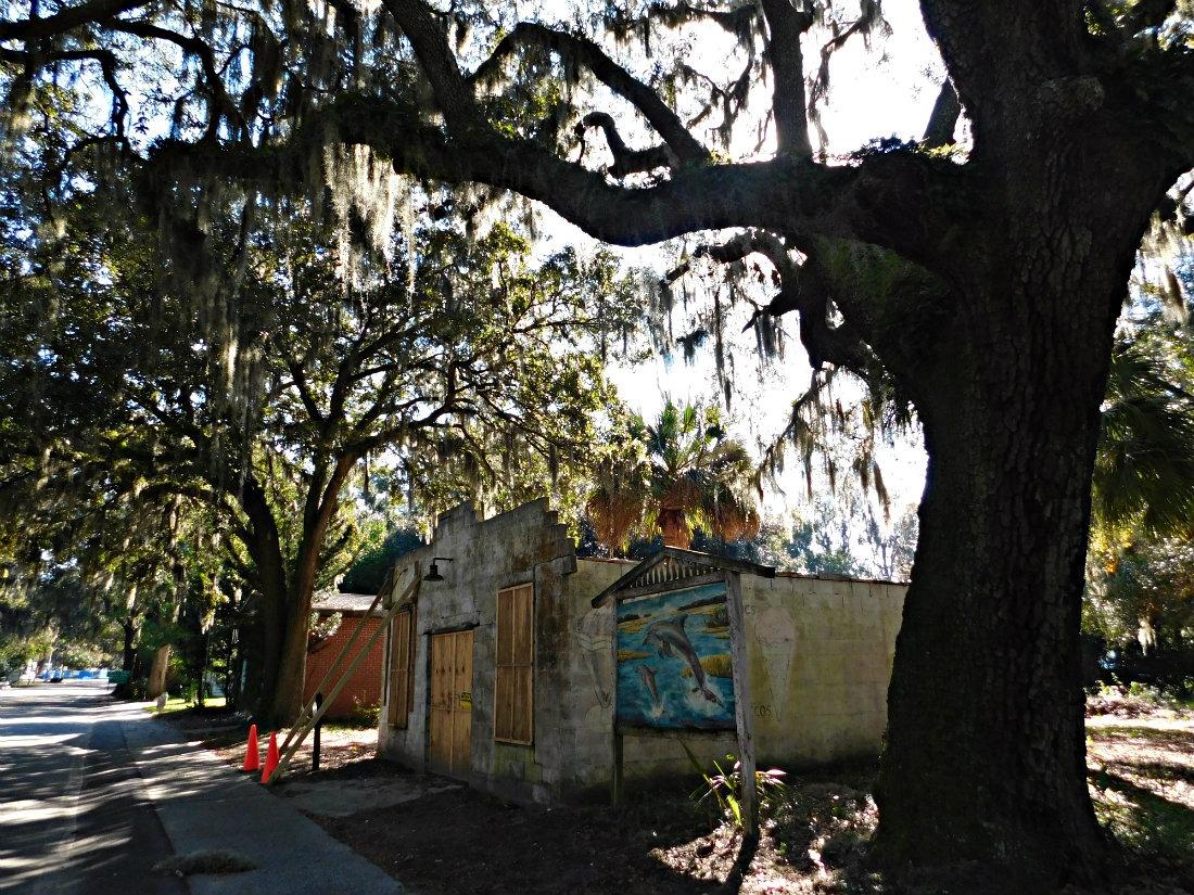 Bluffton is a cute village worth a visit between Savannah and Charleston