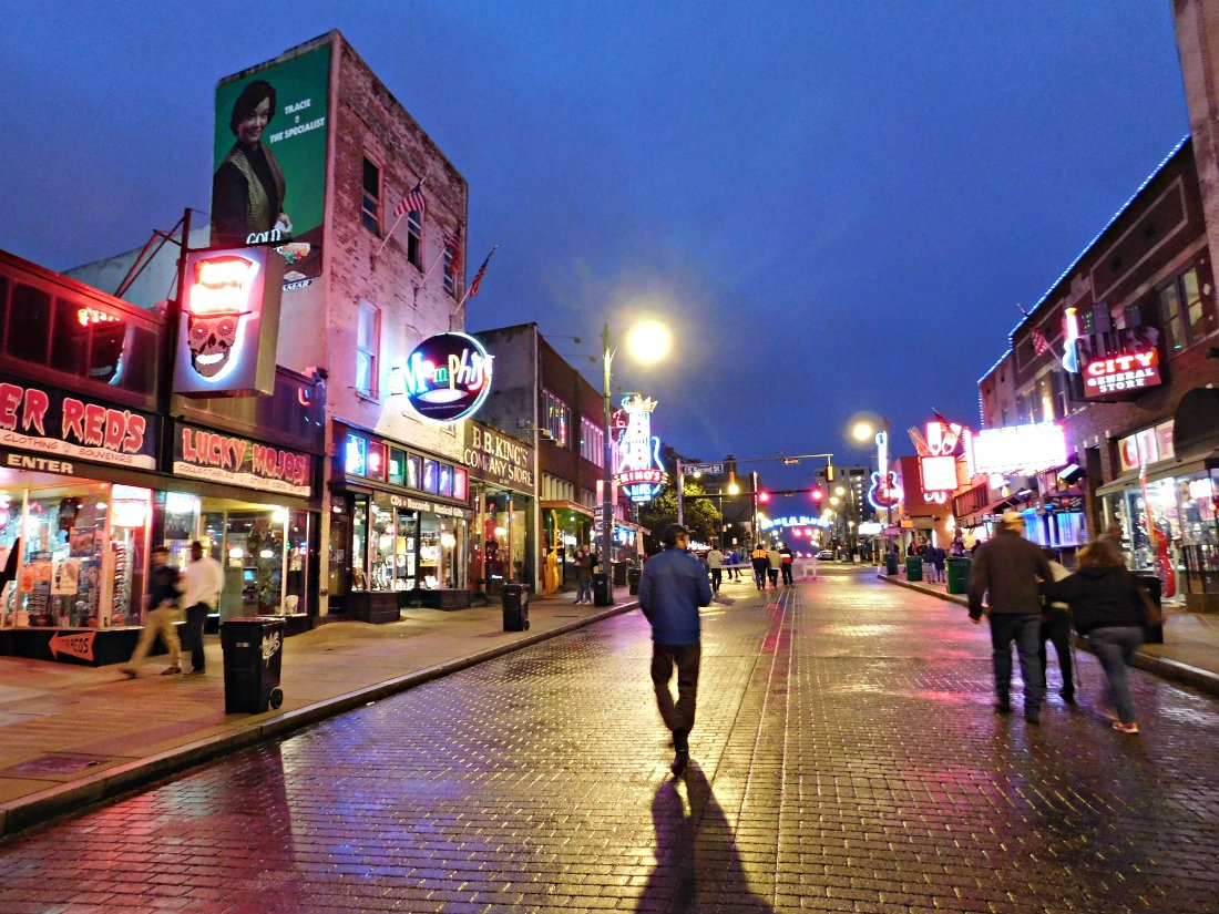 Listening to live Blues on Beale Street in Memphis was one of highlights of month forty two of Digital Nomad Life