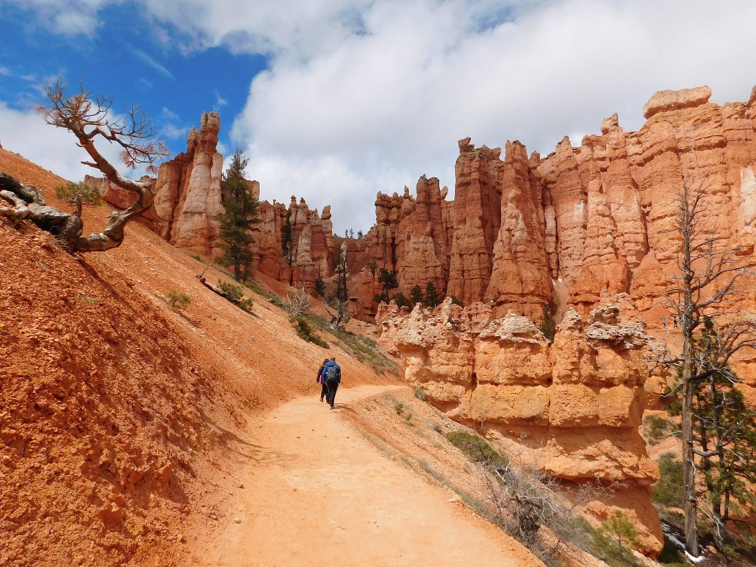 Hiking in Bryce Canyon National Park, Utah