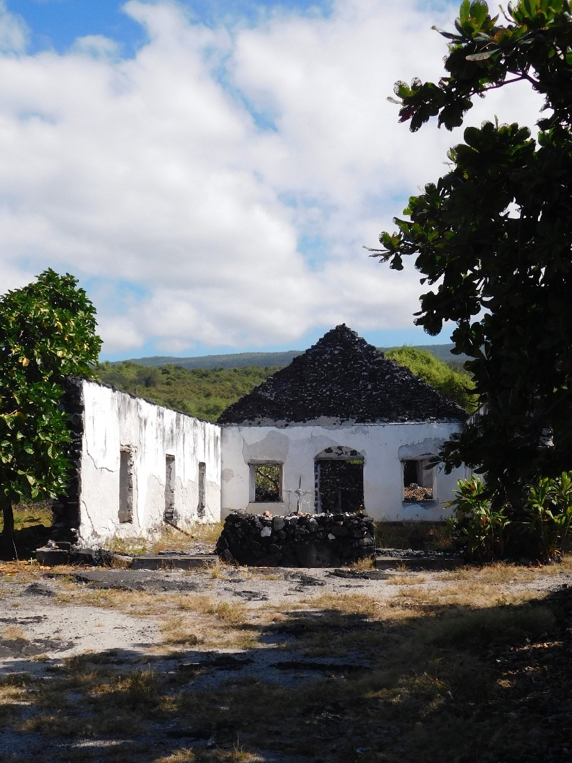 Ruins of a church near Ho'okena Beach in South Kona