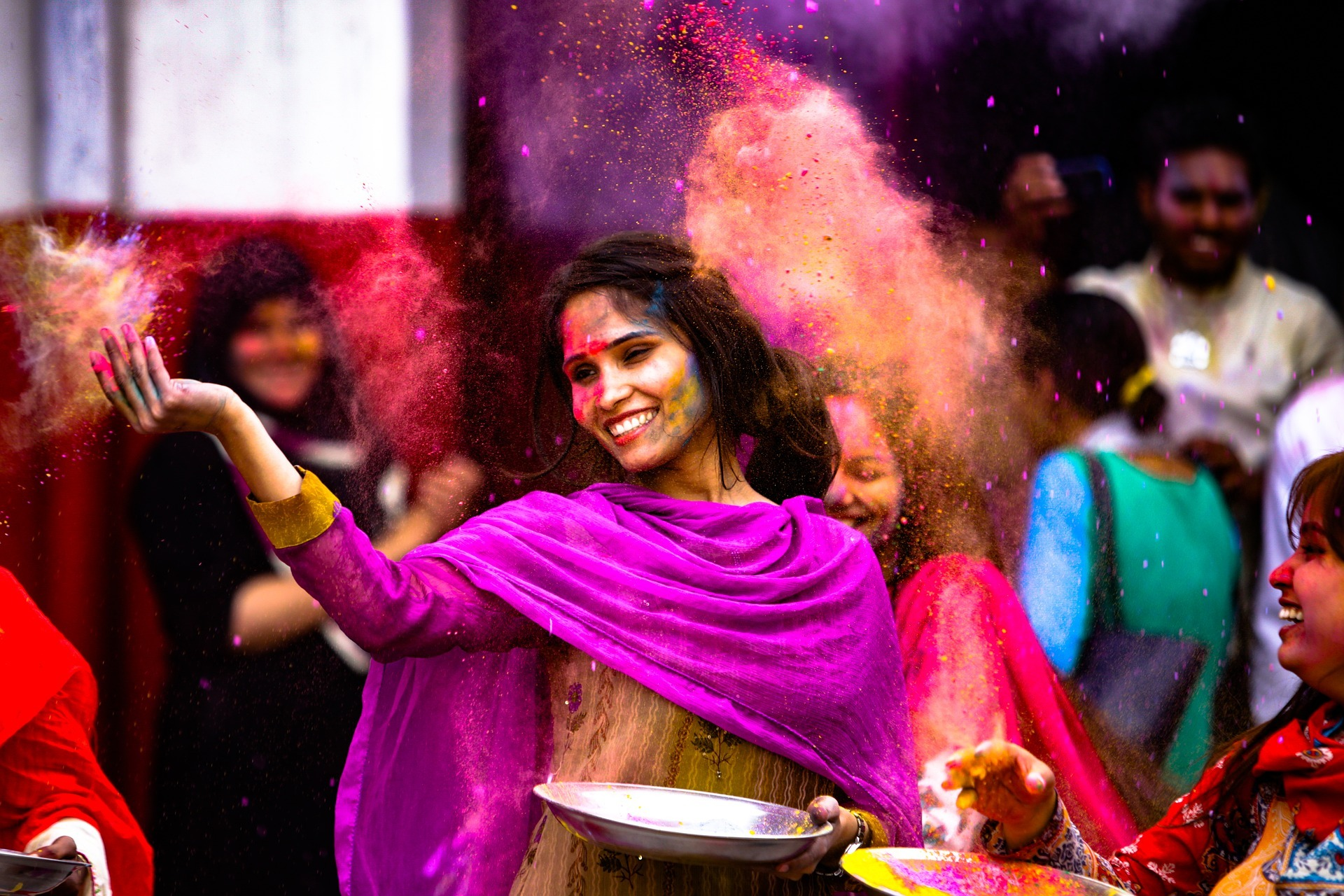 Experiencing Holi in India - on my Travel Wishlist for 2020
