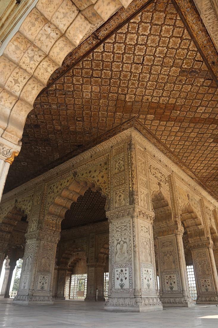Intricate carvings at Red Fort in Delhi