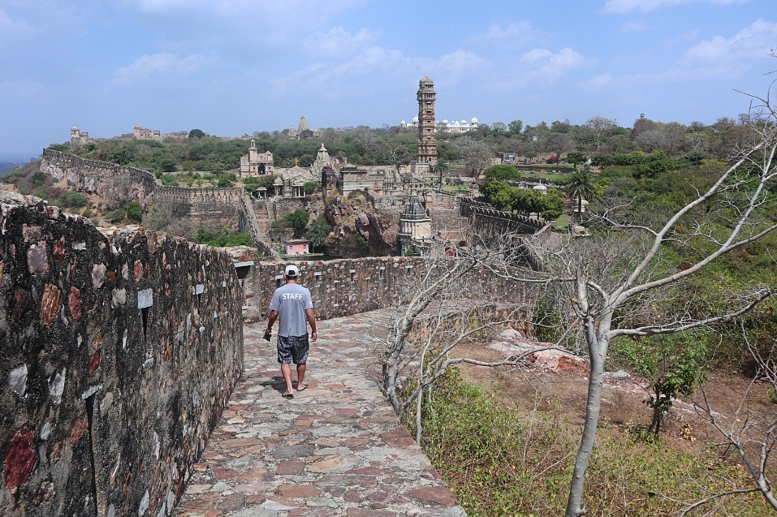 Walking the fort walls at Chittorgarh - our favorite Rajasthan fort