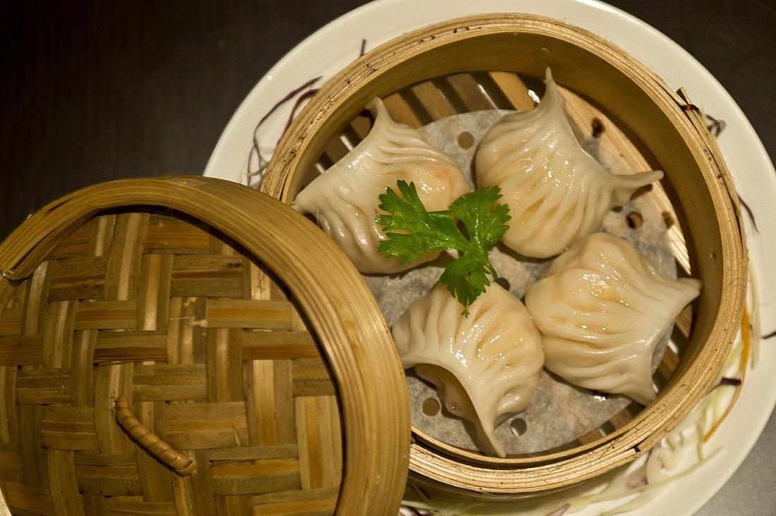 Add har gow shrimp dumplings to your cheap eats Hong Kong bucketlist