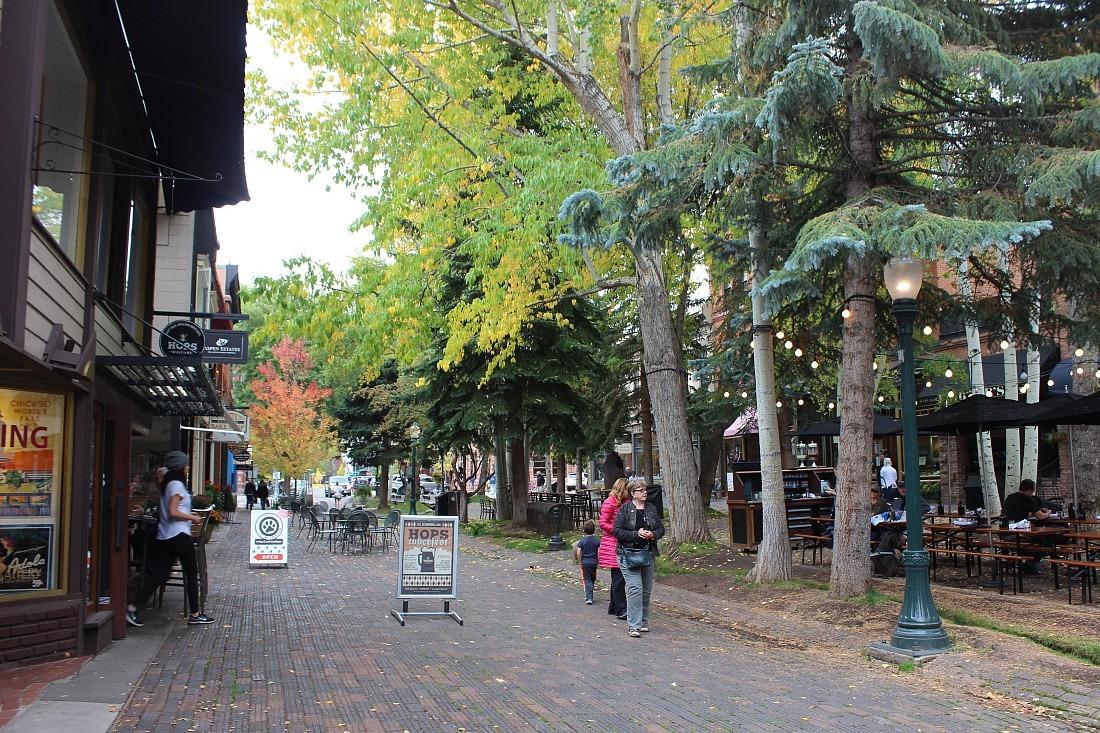 Aspen pedestrian street