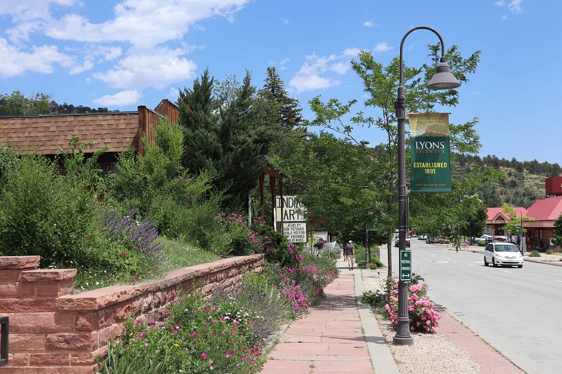 Shops in Lyons - one of the best mountain towns near Denver